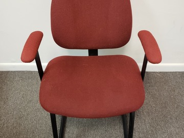 Produkte Verkaufen: Metal Chair (Burgundy cloth cover) with Arms and no Rollers