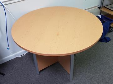 Produkte Verkaufen: Round Wood Table