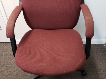 Produkte Verkaufen: Metal Chair (Burgundy cloth cover) with Arms and Rollers