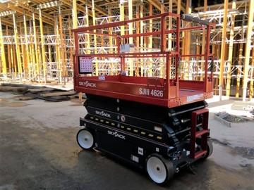 En alquiler: Plataforma de elevación tipo tijera eléctrica  Skyjack 4626