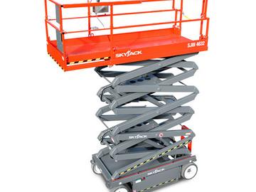 En alquiler: Plataforma de elevación tipo Tijera eléctrica