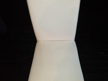 Produkte Verkaufen: Cushioned Chair (White with Gray Cover)