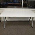 Selling Products: Table with Metal Legs with No Rollers (White)