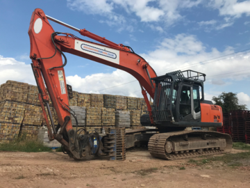 Weekly Equipment Rental: HITACHI ZX280 LC-3
