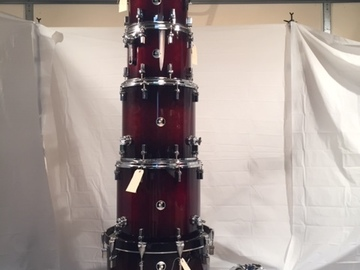 Selling with online payment: Sonor Force 3007 new 8 pc. drum set, Brown Burst, Demo