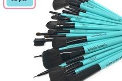 Buy Now: (50) 32 Makeup Brushes Set ( Retail price $1936)
