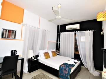 Renting out with online payment: La Chambre Assoinsoin (Atcho) Cotonou, BENIN