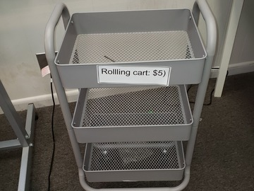 Vendiendo Productos: Metal Cart with Rollers