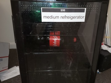 Vendiendo Productos: Refrigerator (Black) (Medium)