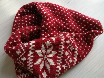 Myydään: warm infinity scarf, perfect shape, very rarely worn