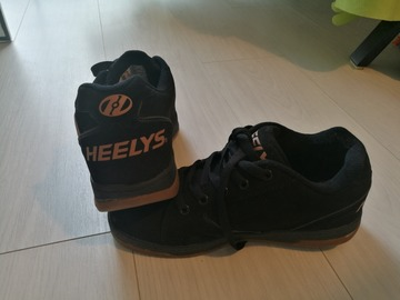 Myydään: Heelys sneakers with wheels, worn just a couple of times, 39
