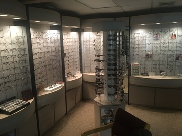 Selling with online payment: Modular eyeglass frame displays