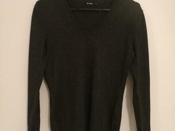 Myydään: 3 thin but warm sweaters, women, S