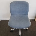 Produkte Verkaufen: Metal Chair (Blue cloth cover) with no Arms and Rollers