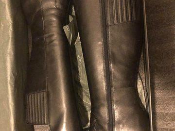 Myydään: Ecco talvisaappaat koko 39/ Ecco semi-new winter boots size 39