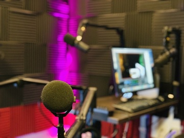Rent Podcast Studio: Third Wheel Podcast Studio