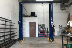 Daily: Car Lift / Metal Shop