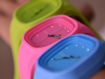 Selling with online payment: Colorful Watch