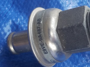 Selling without online payment: Ford 5.0L Rear smog tube with check valve