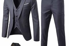 Buy Now: 10 Men's 3 piece Suits- --Your cost $25.00 suit