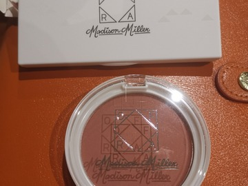 Venta: Pack iluminadores y colorete de Madison Miller para OFRA