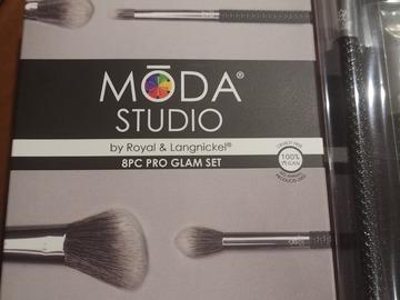 Venta: Pack 8 brochas moda studio