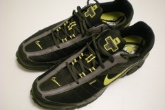 Selling: Nike men's running shoes, size 45 NEW CONDITION