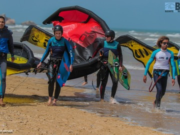Course & Accomodation: 7 Days Kitesurfing Package for beginners in Essaouira, Morocco