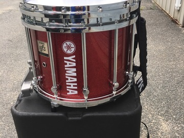 Selling with online payment: Yamaha SFZ red snare with harness, stand and case