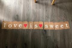 Ilmoitus: Love is sweet -viiri