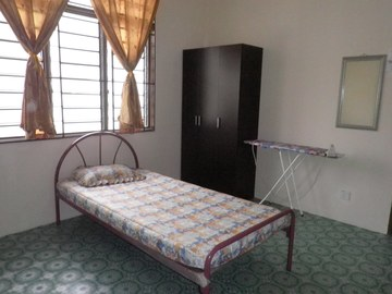 For rent (month): Comfortable Room at Section 17, Petaling Jaya with Wi-Fi