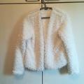 Ilmoitus: Gina tricot pörrötakki, koko M