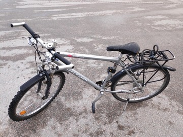 Selling: A bike in good condition(reserved)