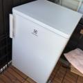Myydään: Small fridge with freezer