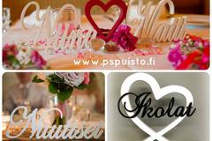 Hääpalvelut: Puiset hääkakun koristeet sekä hääpöydän kyltit
