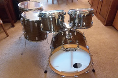 Selling with online payment: 1977 Ludwig Drum Set in Walnut Cortex