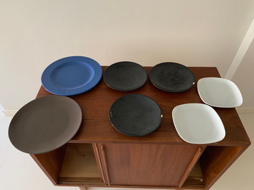Selling: Plates