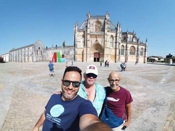 Offering with online payment: Private Full Day Tour to Fátima Batalha Nazaré and Óbidos