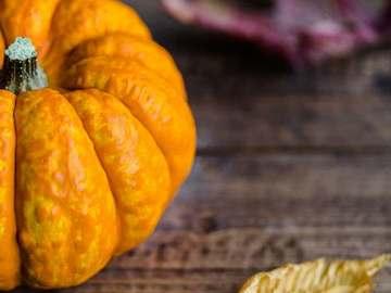 Selling: Halloween Treat + free spell