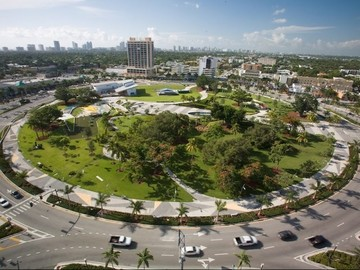 Daily Rentals: Hollywood Fl, Well Located Parking Space Near Major Parks