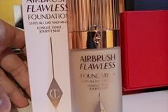 Venta: Charlotte tilbury Airbrush flawless foundation.