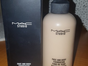 Venta: Face and Body MAC Tono C1