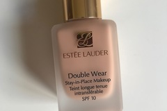 Venta: Double Wear de Estee Lauder, tono 2C2 Pale Almond