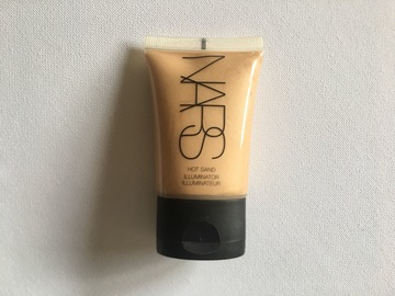 Venta: Iluminador Hot Sand de NARS