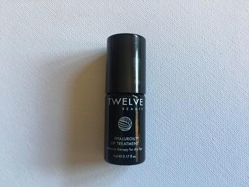 Venta: Mini Talla Hyaluroil Lip Treatment de TWELVE. Nuevo.