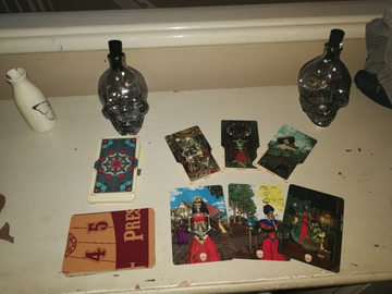 Selling: HALLOWEEN/DAY OF THE DEAD SPIRIT READING