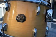 Selling with online payment: Gretsch 13 x 9 1981 Blonde Natural Drop G Badge '81 Limited
