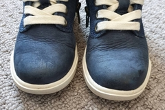 Selling with online payment: Navy timberland boots, infant size 6