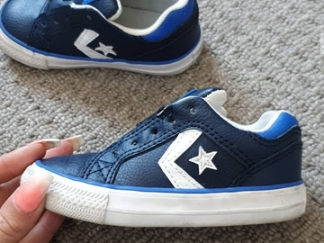 Selling with online payment: Navy converse, infant size 6