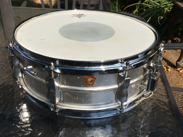 Selling with online payment: 60s Ludwig Acrolite snare Keystone Badge  VG